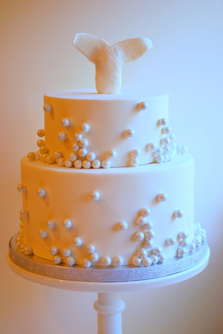 White Pearls Cake