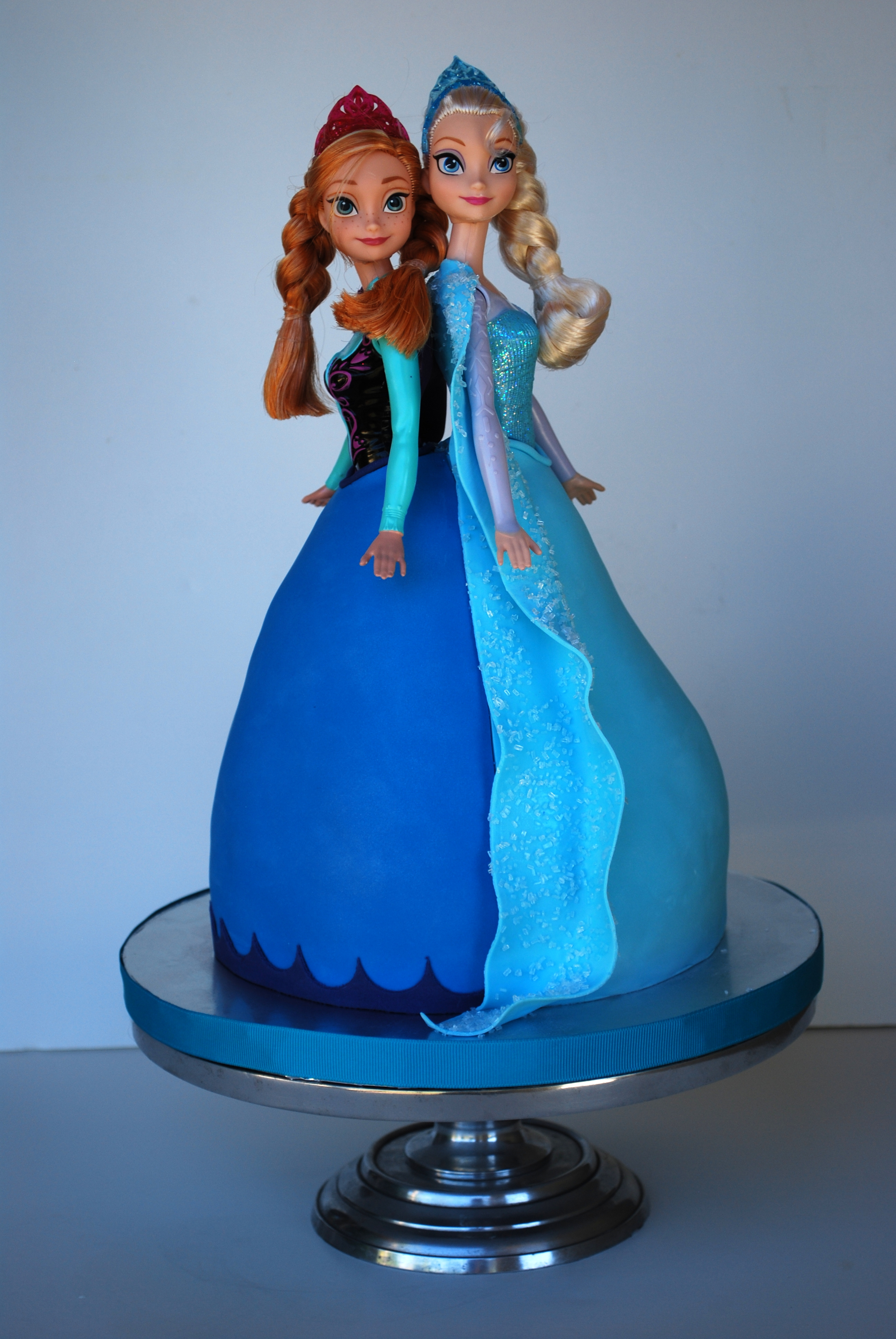 1000+ images about Frozen Birthday Cakes on Pinterest ...